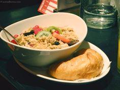 rochus review erfahrung // nurmalkosten.com Grains, Wordpress, Restaurant, Meat, Chicken, Food, Restaurants, Meals, Dining Rooms