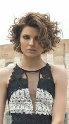 Layered Curly Hairstyles Short and Long . - # curly Layered Curly Hairstyles Short and long layered curly hairstyles # curly Short Curly Hairstyles For Women, Curly Hair Styles, Haircuts For Curly Hair, Curly Hair Cuts, Curly Bob Hairstyles, Short Hair Cuts, Medium Hair Styles, Perms For Short Hair, Big Curls Short Hair