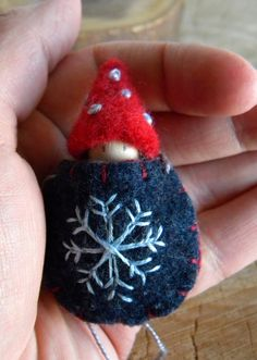 Waldorf Snoflake Baby Necklace, Waldorf Baby, Wearable Doll, Winter, blue, light blue, navy, red, gray, Upcycled wool felt