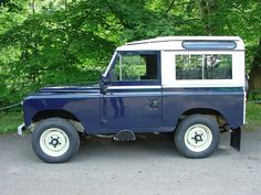 Winston is an ex-MOD Rover which was completely restored to civilian kit by Land Rover Center in Huddersfield, UK Series 2 Land Rover, Land Rover Defender, Range Rover, Cool Photos, Land Rovers, Dream Life, Roads, Vehicles, Safari