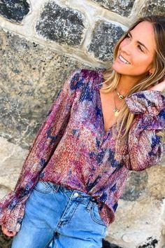 Un effet satiné pour votre blouse violette Look Short, Blouse, Collection, Tops, Women, Style, Fashion, Boutique Online Shopping, Fashion Ideas