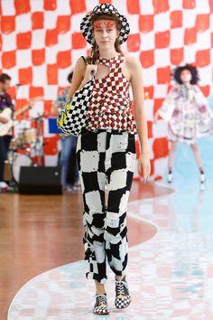 Tsumori Chisato Spring 2018 Ready-to-Wear  Fashion Show