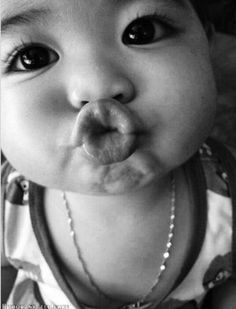 Kids Discover Photo by Precious Children, Beautiful Children, Beautiful Babies, Beautiful Lips, Cute Little Baby, Little Babies, Baby Love, Funny Babies, Cute Babies