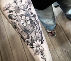 Heart and Flowers tattoo by Fredao Oliveira
