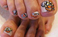 Diseños de uñas pinceladas manos y pies, diseño de uñas pinceladas de pies.  Follow! #diseñatusuñas #acrylicnails #uñasdeboda
