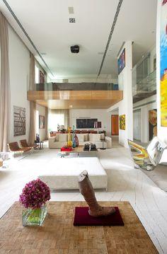 This massive contemporary villa was designed by Fernanda Marques Arquitetos Associados. Located in Malibu, California