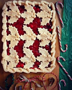 Phase two of my black bottom orange-cranberry-strawberry slab pie is complete✔️. The filling is just slightly tart. I've paired it with a dark and semi-sweet chocolate blend base. Noel Christmas, Christmas Goodies, Christmas Treats, Xmas, Holiday Desserts, Holiday Baking, Christmas Baking, Beautiful Pie Crusts, Pie Crust Designs