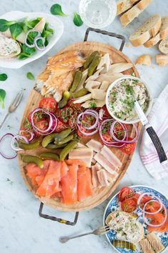 See related links to what you are looking for. Tapas, Easy Healthy Recipes, Healthy Snacks, Lunch Buffet, Snacks Für Party, Appetisers, High Tea, Food Inspiration, Love Food