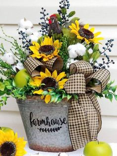 Take a look at tutored country home decor diy Sunflower Arrangements, Fall Floral Arrangements, Beautiful Flower Arrangements, Beautiful Flowers, Sunflower Kitchen Decor, Silk Flowers, Flowers Garden, Yellow Flowers, Fall Decor