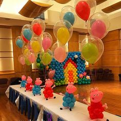 Peppa Pig and George pig balloon centerpieces Themed Parties, 3rd Birthday Parties, 2nd Birthday, Party Themes, Birthday Centerpieces, Balloon Centerpieces, Balloon Decorations, Peppa Pig Balloons, George Pig