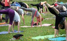 Bezpłatne zajęcia z jogi odbywają się co niedzielę: w Parku Źródliska II o 10:00 a w Parku na Zdrowiu o 13:00.