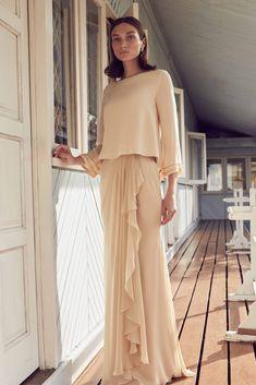 - NURITA HARITH Lebaran Luxe 2019 Modern Hijab Fashion, Batik Fashion, Muslim Fashion, Event Dresses, Modest Dresses, Simple Dresses, Hijab Mode Inspiration, Hijab Stile, Kebaya Dress