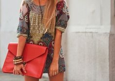love this dress and the clutch!