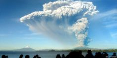 #Calbuco volcano in southern Chile erupts; authorities order an evacuation for 20 km around the site