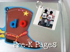 Love the idea of taking pics of kids spelling out sight words!!!  Fun review or class book!