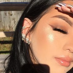 / Pinterest naomiokayyy 🍑 Makeup, Beauty, faces, lips, eyes, eyeshadow, hair, colour, ombre, body, body goals, fitness, workout, ink, tattoos, nails, claws, piercings