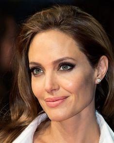 Catastrofe Sony: gli hacker svelano conversazioni offensive su Angelina Jolie, Tom Cruise e Adam Sandler  - E' già stato chiamato Sony Leak. Un attacco hacker sta mettendo in serio imbarazzo Sony e i suoi super manager... - Read full story here: http://www.fashiontimes.it/2014/12/catastrofe-per-sony-gli-hacker-svelano-conversazioni-offensive-su-angelina-jolie-tom-cruise-adam-sandler/