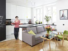 Skandynawska kuchnia z salonem: wnętrze perfekcyjnie zorganizowane
