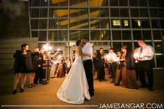 Cortney + Kevin | Wedding Ceremony & Reception. Photos by Jamie Sangar Photography. #IndianaStateMuseum