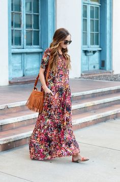 pink floral print maxi dress with short sleeves + brown fringe hadnabg
