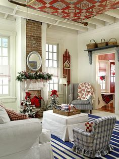 Cottage Decor - I love the crisp white backdrop for all the red, white and blue decor. Cottage Living, Cozy Cottage, Cottage Plan, Country Living, Estilo Country, Savvy Southern Style, Christmas Living Rooms, Blue Christmas, Cottage Christmas