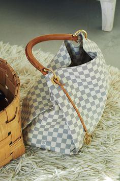 LV Santa please #fashion #handbag #women's handbag