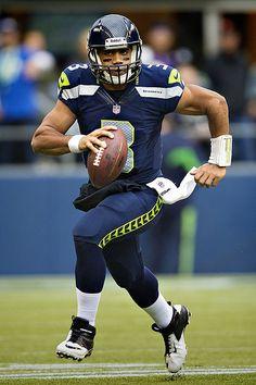 Russell Wilson l QB l Seattle Seahawks Wilson Seahawks e34ade0a6