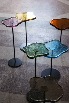 Glass Furniture, Home Decor Furniture, Table Furniture, Furniture Design, Desk Inspiration, Glass Side Tables, Cocktail Tables, Colored Glass, Interior Design