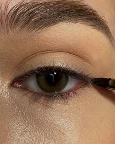 eyeliner styles for big eyes . eyeliner styles for hooded eyes . eyeliner styles simple step by step . eyeliner styles different Makeup Eye Looks, Eye Makeup Tips, Smokey Eye Makeup, Cute Makeup, Eyeshadow Looks, Eyebrow Makeup, Skin Makeup, Makeup Eyeshadow, Makeup Ideas