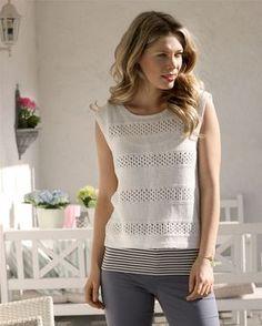 Denne smukke bluse er fin til en dejlig dansk sommerdag.