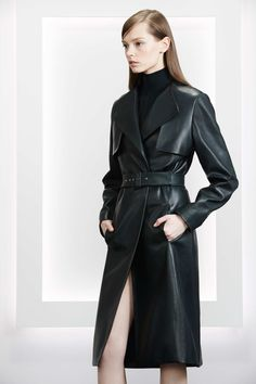 Jason Wu Pre-Fall 2015 Fashion Show - Mina Cvetkovic Jason Wu, Look Fashion, Fashion Show, Fashion Design, Trent Coat, Long Leather Coat, Black Leather, Fashion Articles, Look Chic