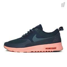 Black & coral Nike air theas