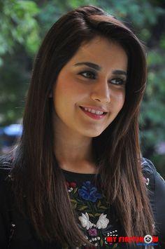 Most Beautiful Indian Actress, Beautiful Actresses, Beauty Full Girl, Beauty Women, Iranian Beauty, Beautiful Saree, Beautiful Women, South Indian Actress, Women Life