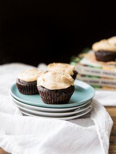 Chocolate Cupcakes with Peanut Butter Vanilla Bean Frosting // @veggiebeastblog