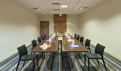 Conference Room, Table, Interiors, Furniture, Home Decor, Homemade Home Decor, Meeting Rooms, Mesas, Home Furnishings