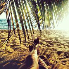 dans le sable chaud!
