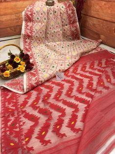 Off White & Red Color Jamdani Saree Red Color Combinations, Dhakai Jamdani Saree, Kinds Of Fabric, Saree Shopping, Saree Look, Wedding Fabric, Buy Sarees Online, Color Show, Green Colors
