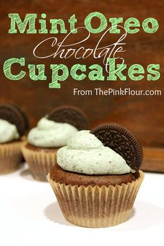 Mint Oreo Chocolate Cupcakes  - moist cake with an Oreo hidden inside topped with a cool mint buttercream www.thepinkflour.com