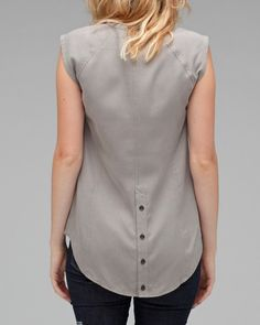 Seamed top with button detail on back