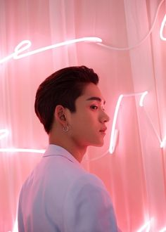 Image shared by ┌ 𝐦𝐨𝐧𝐨𝐛𝐞𝐛𝐞 ┐. Find images and videos about nct, nct u and ten on We Heart It - the app to get lost in what you love. Lucas Nct, Nct 127, Kpop Aesthetic, Pink Aesthetic, Winwin, Rapper, Daddy, Young K, Johnny Seo