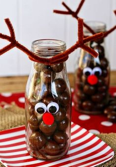 Holiday Decorating & Ideas – Fun reindeer craft for kids. Fill these jars with … Holiday Decorating & Ideas – Fun reindeer craft for kids. Fill these jars with whoppers or chocolate balls. The decorating is simple and takes only… Continue Reading → Best Christmas Recipes, Homemade Christmas, Diy Christmas Gifts, Christmas Ideas, Christmas Presents To Make, Holiday Ideas, Christmas Crafts For Kids To Make, Holiday Crafts, Christmas Decorations Diy For Kids