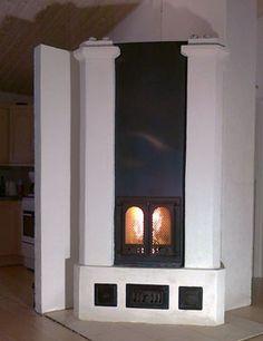 Tiilestä muurattu varaava takka Decor, Wood, Stove, House, Home, Fireplace, Home Decor, Wood Stove