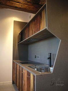 GOLEO Design - Prestations Reclaimed wood and valchromat Kitchen.