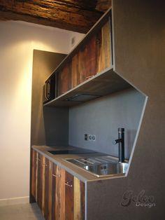 GOLEO Design - Prestations Reclaimed wood and valchromat Kitchen.