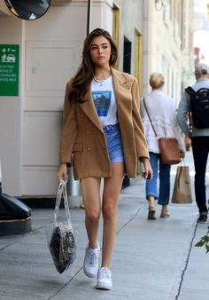 Madison Beer Street Style - Shopping in Beverly Hills Madison Beer Style, Outfits and Clothes. Celebrity Style Casual, Celebrity Outfits, Trendy Outfits, Cool Outfits, Summer Outfits, Fashion Outfits, Estilo Madison Beer, Madison Beer Style, Madison Beer Outfits