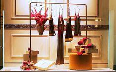 la perla store nyc - Поиск в Google Retail Windows, Big Windows, Fashion Stores, Women's Fashion, Lingerie Store Design, Building Signs, Clothing Racks, Pop Up Shops, Underwear Shop