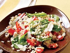 """Quinoa with Roasted Garlic, Tomatoes, and Spinach 