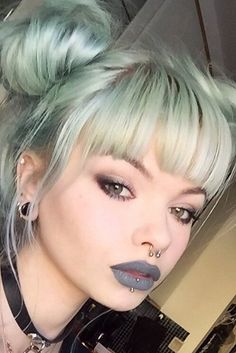 Best hair styles with bangs for your oblong face shape. Hair styles with bangs allow you to look slightly different without the necessity to get your hair dyed or shortened much.