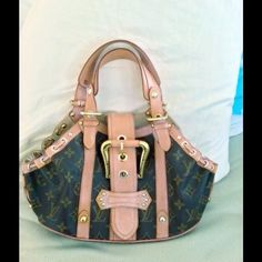 e5b4420c5cb08 Selling this Limited Ed Louis Vuitton Monogram Theda GM Handbag in my  Poshmark closet! My username is  Vuitton