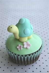 Turtle fondant cupcake